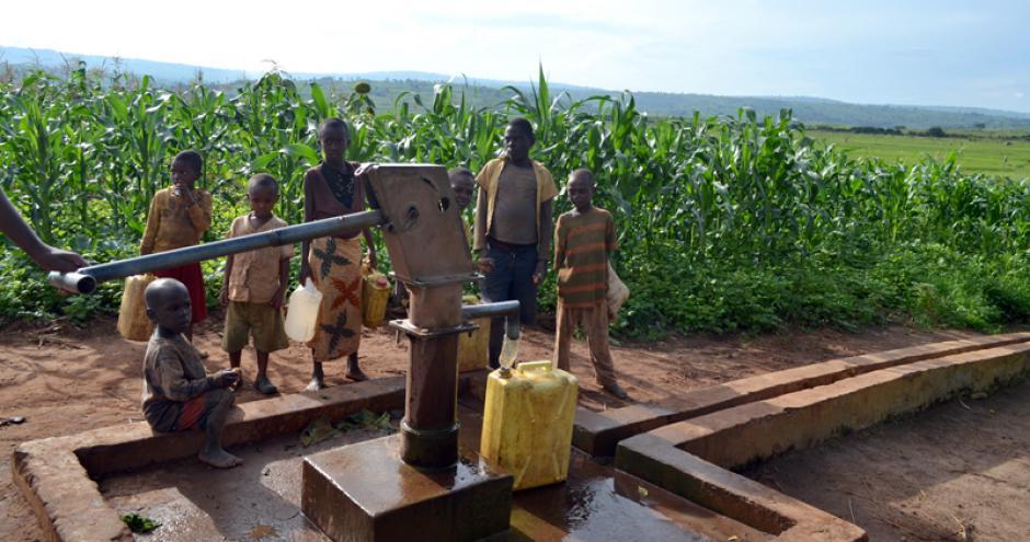 rwanda-borehole-1_800x450