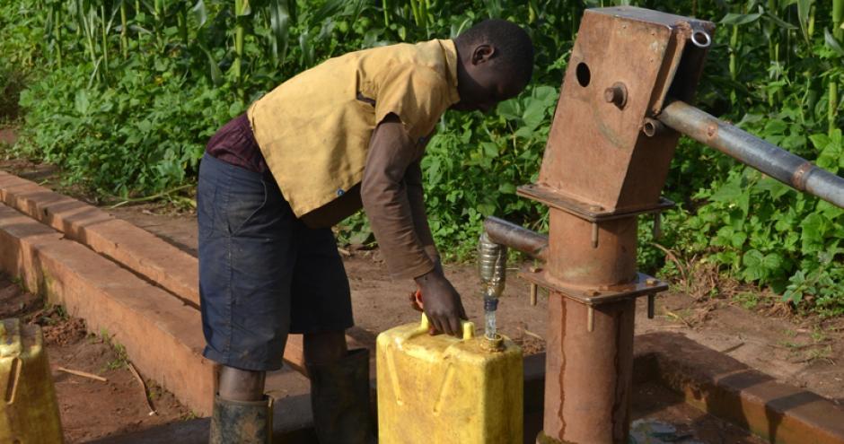 rwanda-borehole-2_800x450