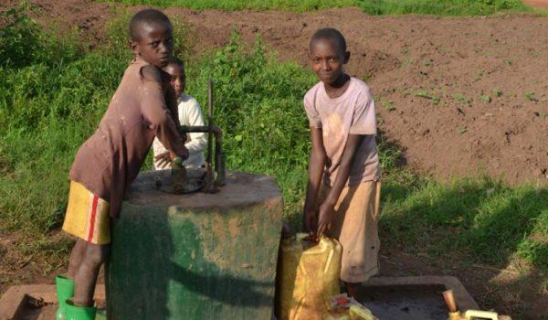 rwanda-borehole-4_800x450